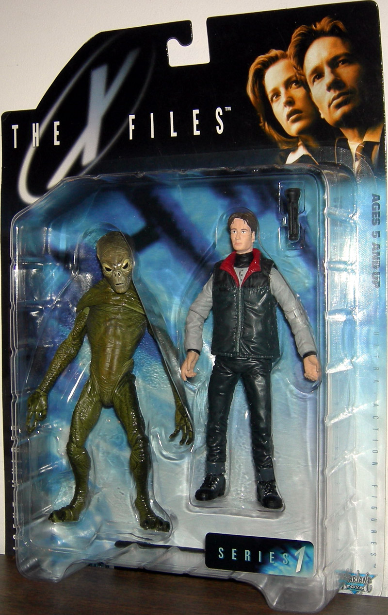 Agent Mulder (with docile alien)