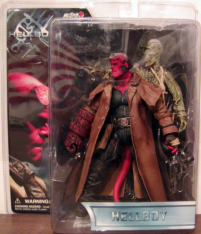 Trench Coat Hellboy & Corpse 2-Pack (closed mouth)