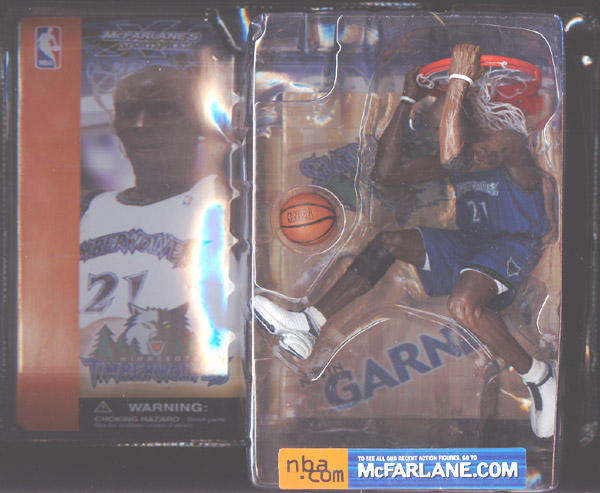 Kevin Garnett (dark uniform)