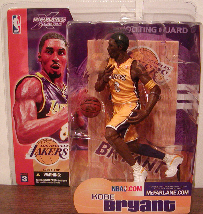 Kobe Bryant (Series 3, yellow uniform)