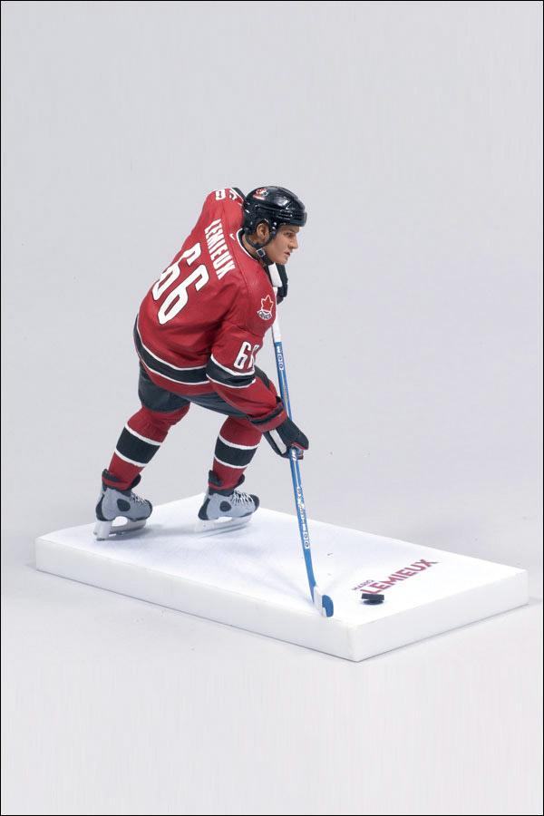 a biography of mario lemieux a canadian professional hockey player Joseph roger mario lemieux, oc, cq (/mærioʊ ləˈmjuː/ french pronunciation: [maʁjo ləmjø] born october 5, 1965) is a canadian former professional ice hockey player and current owner for the pittsburgh penguins.