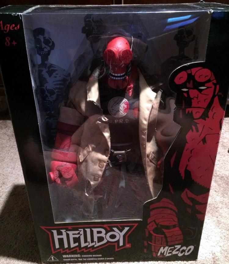 Hellboy Battle Damaged Figure 18 Inch Upper Lower Teeth Showing Comic Series