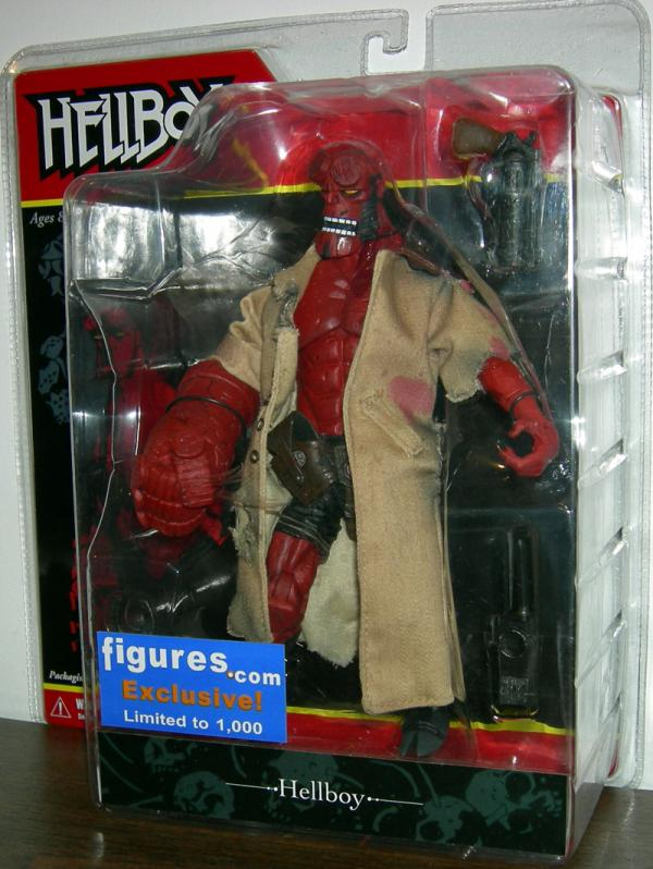 Battle-Damaged Hellboy Figure Figures com Exclusive Mezco