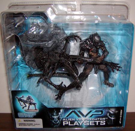 Celtic Predator Throws Alien Figures AVP Alien vs Predator