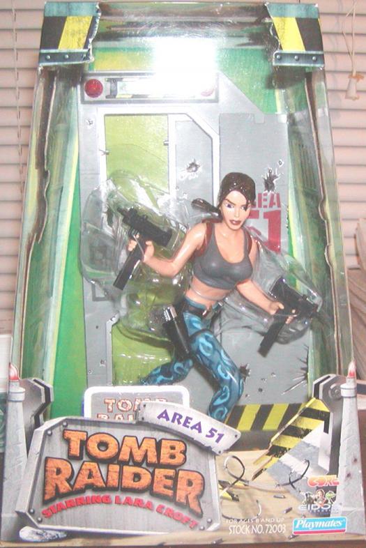 Lara Croft Area 51 Outfit boxed