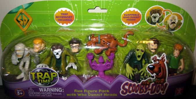 Scooby-Doo Trap Time Five Figure Pack Who Dunnit Heads