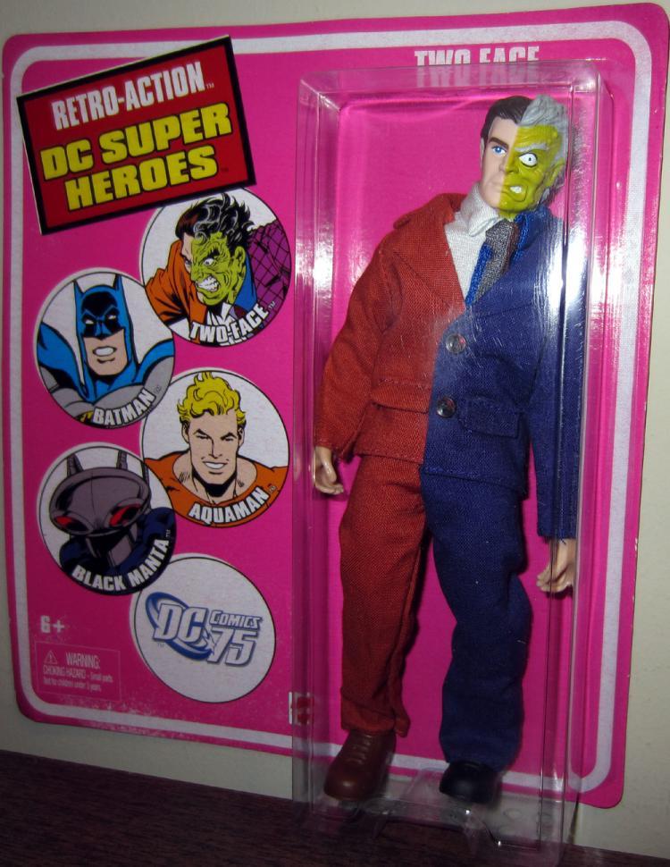 Two-Face Figure Retro-Action DC Super Heroes Mattel